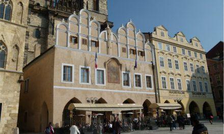 Akademie Versailles v Praze