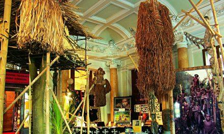 Výstava Tajemná Indonésie – Tamtamy času v Českých Budějovicích