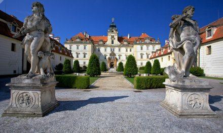 Výstava Kult koně v jízdárně zámku Valtice