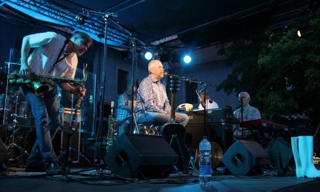 Koncert bratří Ebenů v zámeckém parku v Třeboni