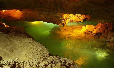Večerní prohlídky jeskyně Na Turoldu při svíčkách