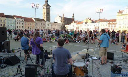 Hudební večery na náměstí Přemysla Otakara II.