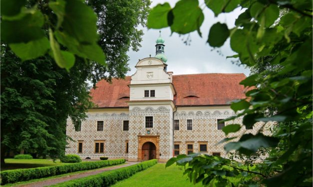 Tradiční farmářské trhy – zámek Doudleby nad Orlicí