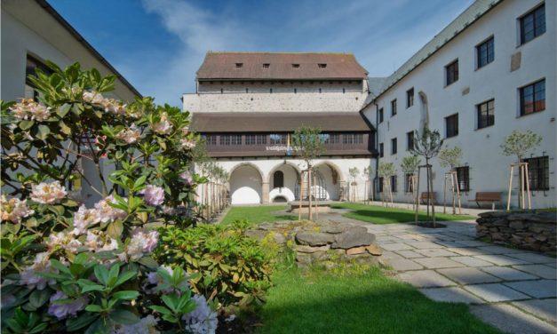 U Sychrovských na půdě – výstava v Prácheňském muzeu