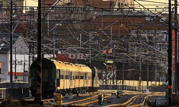 Industry Open vlakem do areálu Škodovky