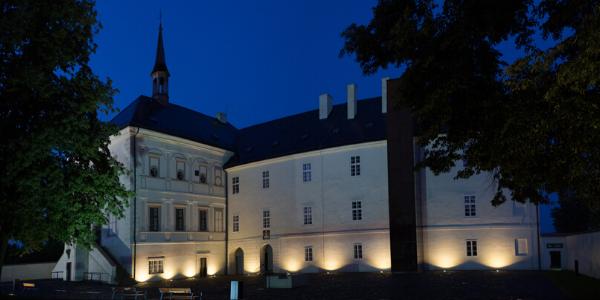 Noční prohlídka zámku s archeologem